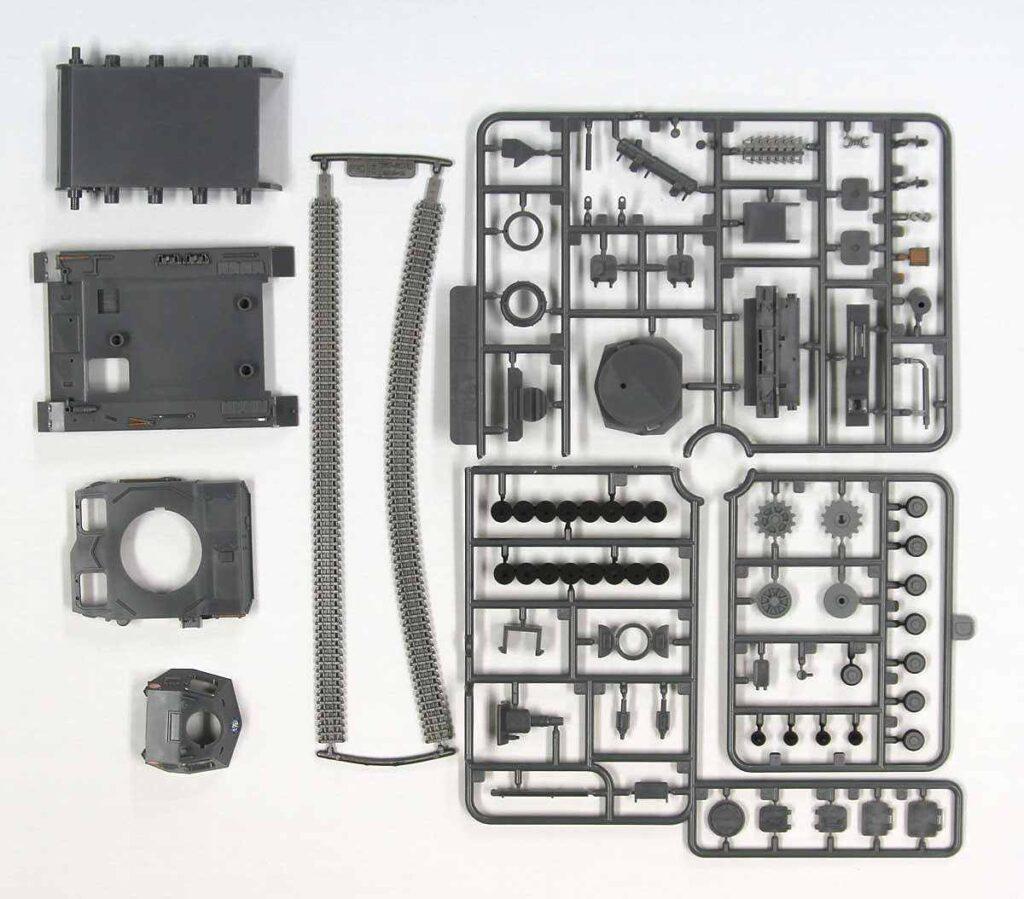 PD89 「ガールズ&パンツァー」IV号戦車D型 エンディングVer. 半塗装済みプラモデル アクリルフィギュア付き